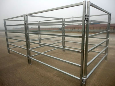 Square tube corral panel fences stand on the ground. The panels with square frame and six square tubes.