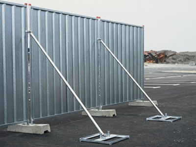 Steel temporary hoardings are installed with the bracing to improve its stability.