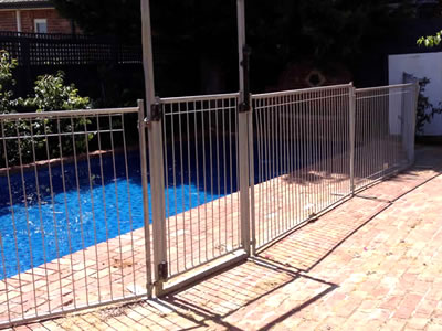 Temporary pool fencing as barriers for spa and pool - Florida building code public swimming pools ...